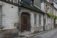 Rue de Troyes (pgauti) Tags: street troyes pentax 10 porte maison rue aube otw pentax1855 abigfave k200d justpentax theperfectphotographer goldstaraward pgauti