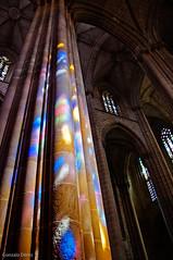 Monasterio de Bathala (- GD photography -) Tags: color portugal luces colores monasterio vidrieras texturas columna bathala