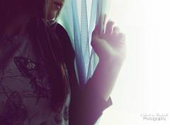 È nei nostri momenti più bui che dobbiamo concentrarci per vedere la luce - by [Vale♥]