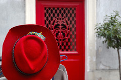 The red hat (erikomoket) Tags: new red paris france hat fashion rouge nikon day magasin d70 decoration style mode picturesque    smrgsbord streetshop   blueribbonwinner    erikomoket thisstandsout