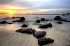 Stepping stones (J.^2) Tags: sunset sea sky cloud beach water rock canon golden singapore wave punggol j2 hdr steppingstone silky jiangjiang 3xp toeternity 400d jsquare thebestwaterscapes