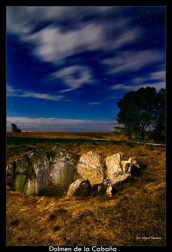 Dolmen de la Cabaña (Nocturna)