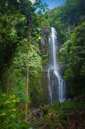 Waterfalls In Hawaii. Hawaiian Waterfall