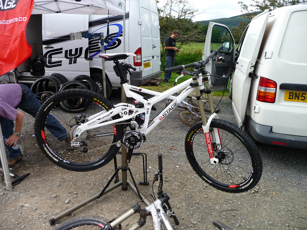 2 Stage Elite 9 Downhill Bike