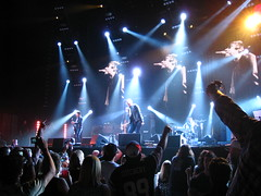Oasis Concert Stage @ I Am A Walrus (Anirudh Koul) Tags: music canada festival rock concert tour bell quebec montreal live stage centre gig performance virgin oasis bellcentre noelgallagher liamgallagher concertstage stageconcert lastfm:event=561361