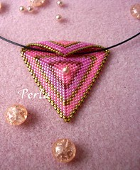 pendentif triangle (marinabead) Tags: triangles collier photo necklace beads jewelry bijoux peyote perles rocaille delicas pendentif rocailles