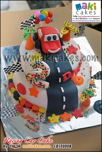 Racing Car Cake Diethro_ - Maki Cakes