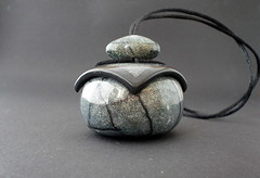 Wearable vessel 26 (Enkhe Tserenbadam) Tags: necklace jewelry polymerclay pendant boite pendantif inro polymerclayjewelry wearablevessel