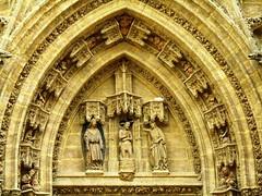 Cathedral (Graça Vargas) Tags: door españa canon sevilla spain cathedral ph227 graçavargas ©2008graçavargasallrightsreserved 3401200109
