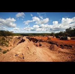 7. unpaived - Pará (© Tatiana Cardeal) Tags: road brazil brasil digital highway erosion tatianacardeal humanrights 2008 pará socialdocumentary brésil amazonia amazonie socialexclusion br163 environmentalimpact 亚马逊 아마존 socialimpact 亞馬遜 unpaived амазония αμαζονία アマゾニア أمازونيا