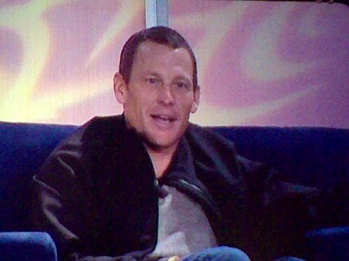 ¿Por qué confiesa Armstrong?