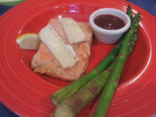 Salmon, brie and asparagus