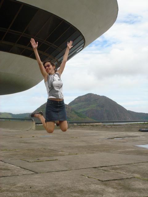 saltinho no Museu em Niterói