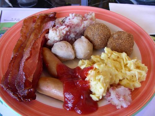 墾丁凱薩-第一天早餐