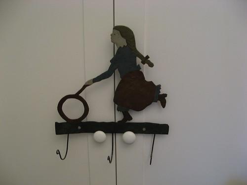 new room, hooks
