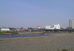 多摩川の向こうの高島屋