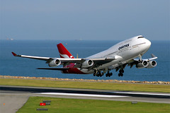 Qantas 747-400 at VHHH (Kevin Ho  Photography) Tags: qantas airways boeing 747 hongkong departure flying flight sydney takeoff syd yssy aero:airport=yssy airport kingsford smith international kingsfordsmithinternationalairport sydneyairport 747400 aerotagged boeing747 boeing747400 aero:man=boeing aero:model=747 aero:series=400 aero:airline=qfa