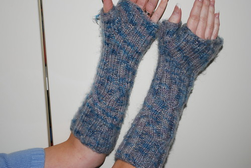 cabled arm warmers