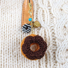 Amigurumi Miniature Donuts Charm (enna design) Tags: miniature keychain handmade chocolate cellphone charm donuts sweets amigurumi