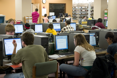 3-08 Students Use Newly Opened Third Floor by Morris Library.