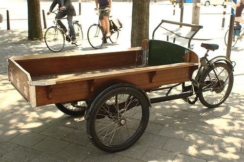 rental cargo bike