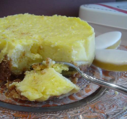 Cheesecake agli amaretti e calissons d'Aix