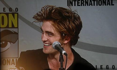 San Diego Comic-con 2008 Summit Entertainment Twilight Panel - Robert Pattinson by Arrow of Apollo.