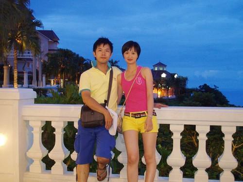 你拍攝的 Brain&Doris穿著彩虹去遠雄悅來飯店。