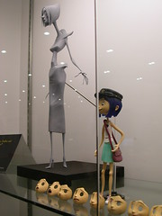 Laika/Selick Coraline Models - Other Mother 2 & Coraline with faces (Randi Mason) Tags: models laika animation comiccon gaiman stopmotion sdcc coraline sandiegocomiccon framebyframe othermother selick henryselick sdcc2008 sdcc08 wybie mrbobinsky
