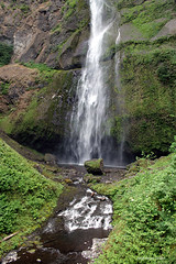 Bottom of Multnomah Falls (Patrick Dirden) Tags: water rock oregon waterfall moss pacificnorthwest multnomahfalls basalt columbiarivergorge multnomahcounty columbiarivernationalscenicarea