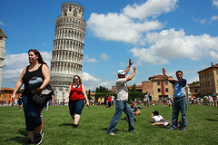Leaning Tower (Pawel Boguslawski) Tags: sky people italy cloud tower grass weather canon sunny tourist pisa leaning torro 5photosaday 40d