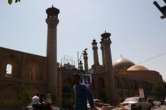 Tehran (Jarle Silkiskeggi) Tags: fruit iran tehran melon mullah chador