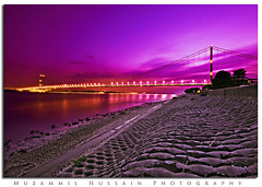 Humber Bridge (Muzammil (Moz)) Tags: beautiful nightshot hull humberbridge moz yorshire theunforgettablepictures betterthangood goldstaraward 5thlargestsuspensionbridge northloncolnshire