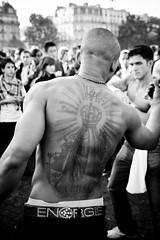 Techno Parade (057) - 20Sep08, Paris (France) (°]°) Tags: party portrait blackandwhite bw music man paris festival tattoo ink back noiretblanc bald nb parade dos electro techno fête homme musique encre tatouage chauve technoparade