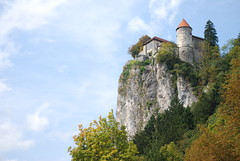 Bled Castle (Dick Dangerous) Tags: castle cliffs slovenia bled crag