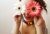 Ve la vida color de flor (i n s t a n t á n e o) Tags: flores arcoiris ego flor colores collar boca cuello bolasdecolores veodecolores