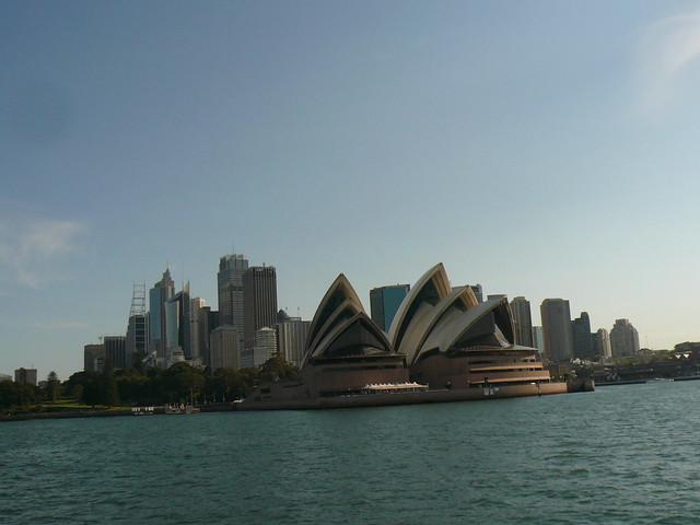 blog voyage australie sydney whv backpacker travel ferry opera cbd vue