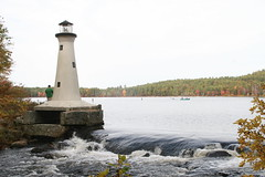 2008_10_13_brookline-nh_14 (dsearls) Tags: lighthouse brookline brooklinenh potanipo nissitissit nissitissitriver 20081013 potanipopond freshpondicecreamcompany