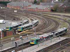 London Midland:City liveries at Shrewsbury (rcarpe2) Tags: london shrewsbury signal midland 170 semaphore