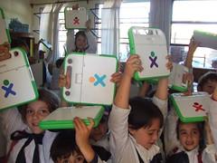 Niños de Uruguay con sus portátiles