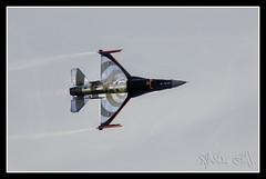 avion-11 (Xavi GM) Tags: espaa valencia canon spain 300mm cielo 5d soe avion blueribbonwinner supershot totalphoto abigfave anawesomeshot xa