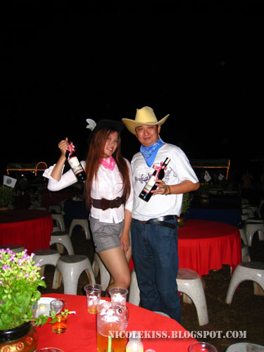best cowgirl and cowboy costume
