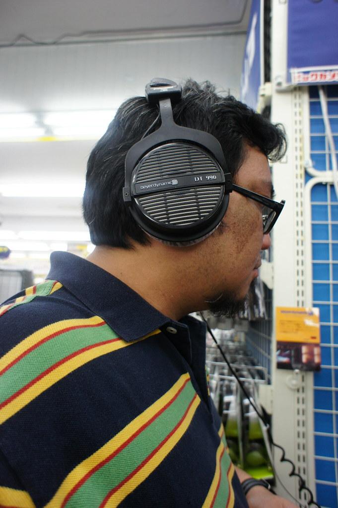 5839126085_d2659dc584_b A Filipino Headphiler in Osaka