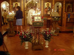 Altar and Resurrection Ikon with flowers (Violette79) Tags: nyc ny newyork brooklyn easter spring christ unitedstates jesus sunday april messiah 2008 bishop roca liturgy savior resurrection orthodoxy  paskha  pravoslavie  atonement rocor  russianorthodoxchurchoutsiderussia                         c russianchurchabroad