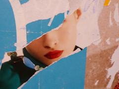 kiss (leafar.) Tags: street couleurs posters torn affiche affiches déchirée