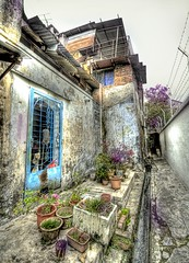 The Old Garden in Malacca (Stuck in Customs) Tags: lighting old roof light panorama art texture colors gardens modern reflections garden way photography visions nice intense nikon seasia shoot artist mood photographer shot angle image photos details perspective picture edge malaysia pro vase pottery capture tones narrow hdr vases malacca malaka stuckincustoms treyratcliff