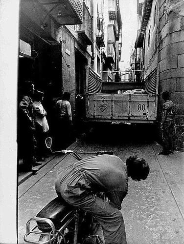 Camión atascado en la calle Hombre de Palo, en Toledo