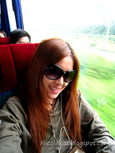 me on bus to hangzhou station
