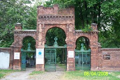 Lodz Jewish Cemetery (Becoming Witnesses) Tags: stacie lodz radegast dotsons
