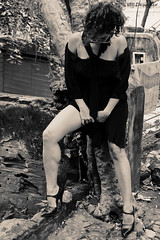 Pedras e pernas - Stones and legs (rbpdesigner) Tags: mulher woman legs pernas rj riodejaneiro pb preto branco black white noir blanc femme girl sensual sexy sensuality erotic noiretblanc bn bw pretoebranco blackwhite negre  schwarzundweis  repblicafederativadobrasil brasil brazil brsil  amricadosul southamerica amriquedusud sdamerika amricadelsur gneyamerika americameridionale  amrica america cidademaravilhosa wonderfulcity ciudadmaravillosa merveilleuseville meravigliosacitt wunderbarestadt br